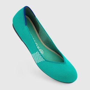 Rothys Calypso Size 8.5 Round Toe Flats